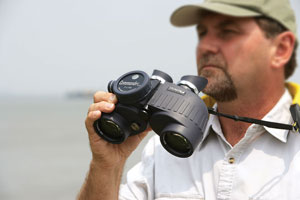 Best Marine Binoculars & Reviews: The Ultimate Buying Guide for 2019